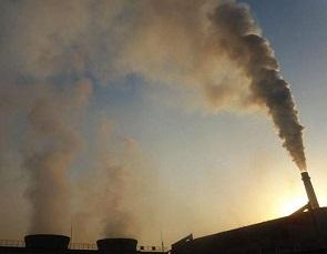 汉口北:天上冒毒烟河中流毒水
