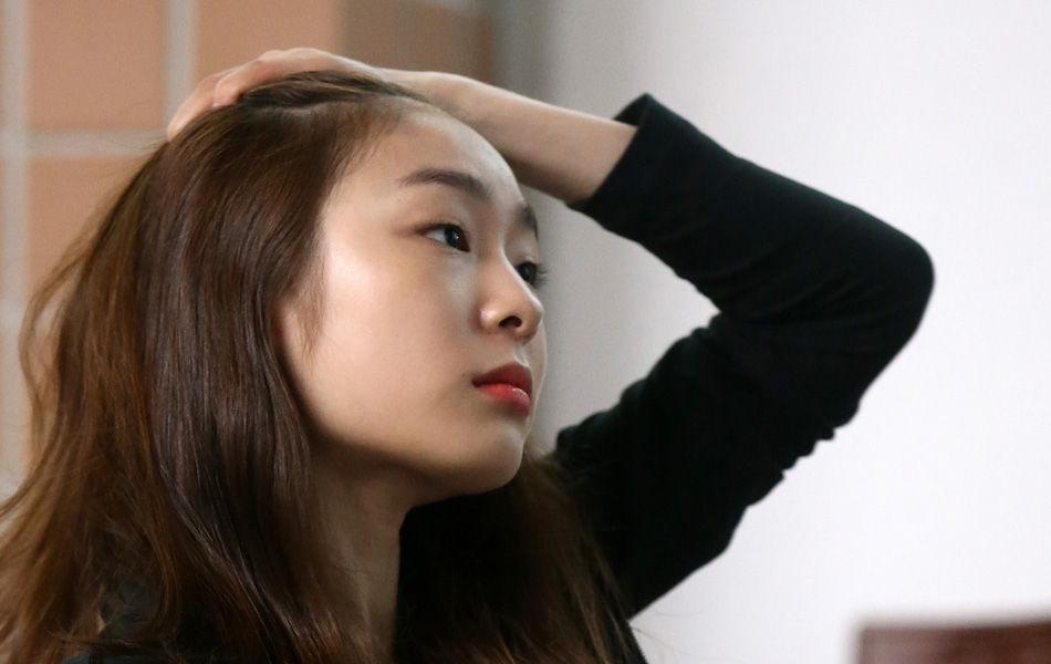实拍:退役后的金妍儿 少女变身熟女风情万种