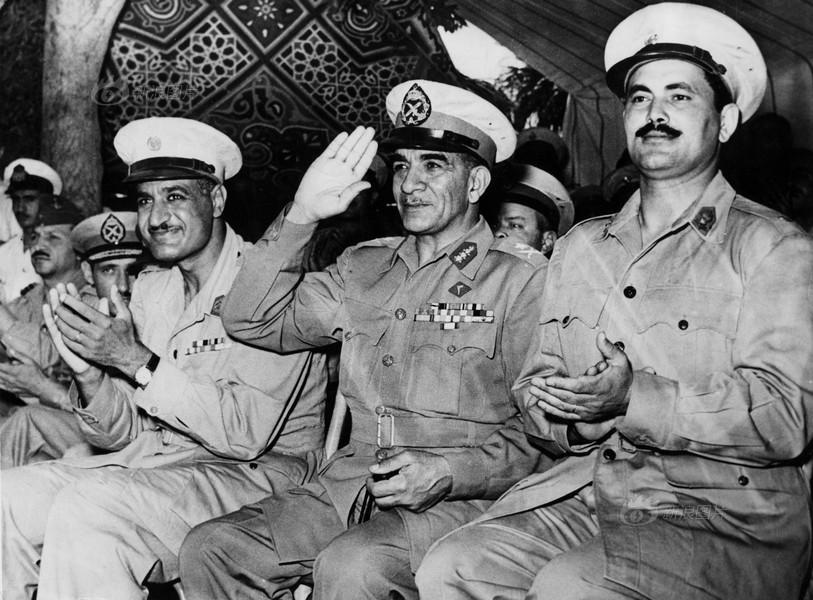 """发动军事政变,成立""""埃及共和国"""".1953年6月18日,埃及宣布"""