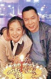 赵薇被传将与新加坡富商结婚