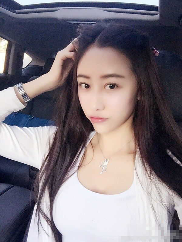90后大连女老师走红网络 身材完爆韩最美老师