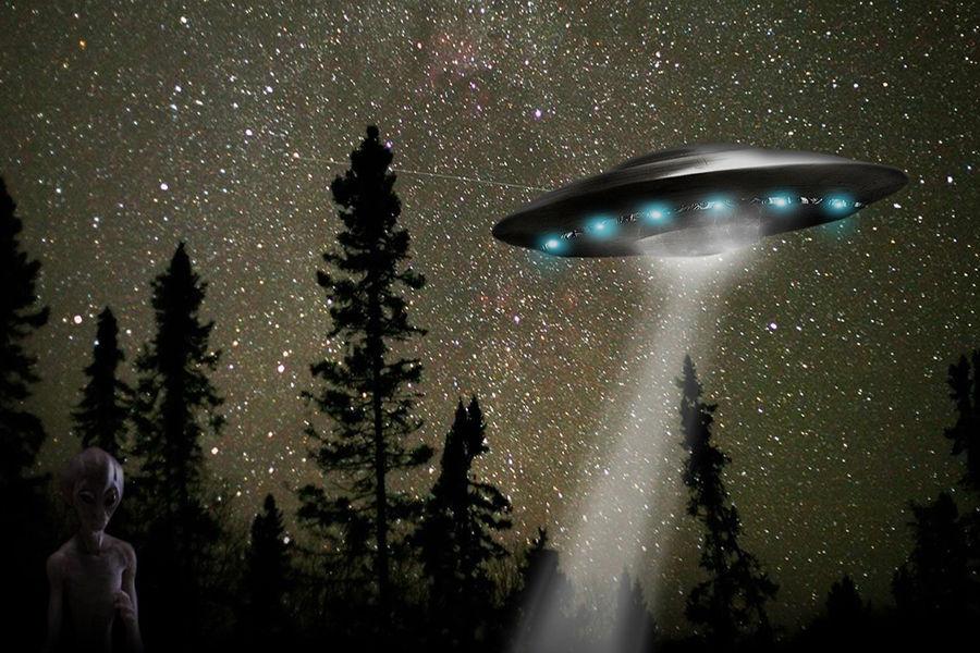 为什么我们看不到智慧生命的迹象?足够高等的文明应该能在可观测宇宙的较大范围内被看见。尺度问题的讨论暗示他们可能在宇宙历史中的某一段存在过。我们视野范围内应该能找到很多他们起源地的迹象。然而,没有任何确切的地外文明的观测证据。