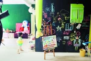 两个女孩自己动手装修120平方米房子,打造成梦幻的童趣天