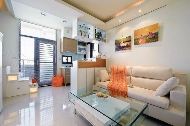 户型的loft装修,要将35平米布置出两个卧室、一个客厅,厨房卫生