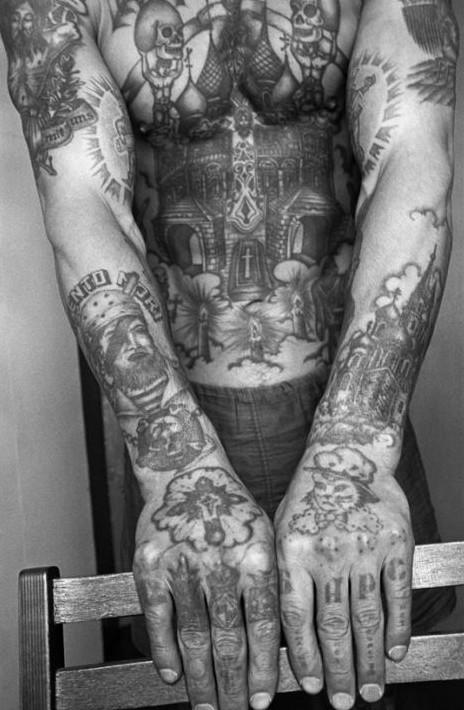 黑社会纹身帅哥图片
