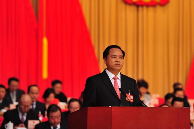 海南省五届人大三次会议开幕,代省长刘赐贵作政府工作报告。