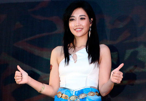 《我是歌手》赞足人气 黄丽玲代言网游捞金