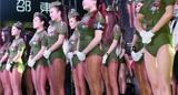 比基尼军装女模上演莞式阅兵
