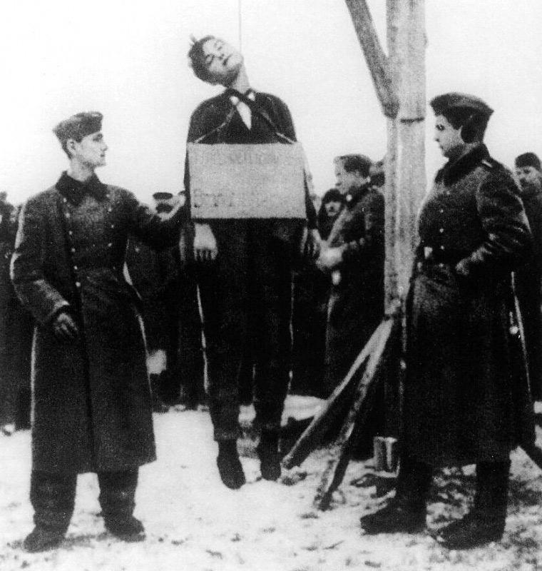 德军残酷杀害苏联的女英雄——卓娅图片