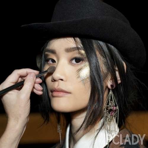 华丽洛可可:香奈儿2014\/15高级手工坊系列妆容