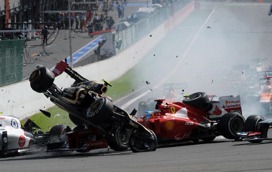 f1比利时分站,迈凯轮车手巴顿杆位发车轻松拿下了