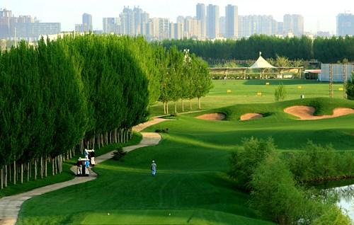 将中国传统皇家园林的气质融入欧式景观当中