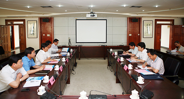 长江大学来校调研学科建设与研究生教育