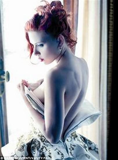 楚天都市报讯 去年9月,好莱坞性感女星斯嘉丽·约翰森的手机遭黑客