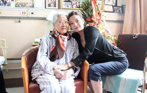 张瑞芳与赵薇是好朋友。(资料图)