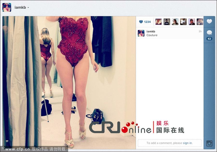 布鲁克/凯莉·布鲁克微博传身材自拍照穿蕾丝内衣大秀性感曲线
