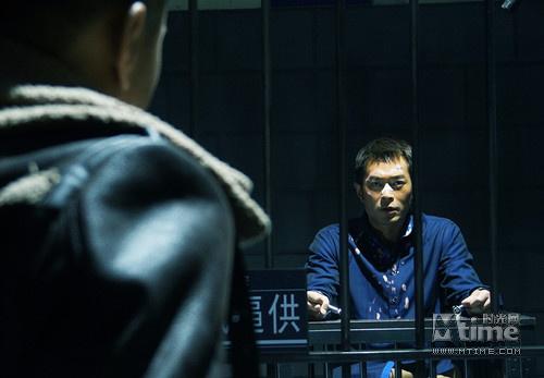 古天乐饰演的大毒枭蔡添明被刑事抓获