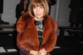 时尚女魔头安娜·温图尔(Anna Wintour)一身大皮草现身头排助阵纽约时装周。