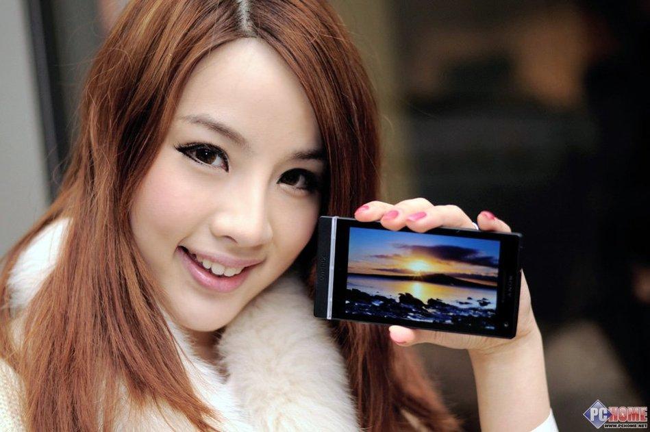 新时尚 索尼Xperia S LT26i美女图赏 科技频道