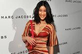 """《时尚芭莎》2011年3月刊曾专门赴法国为陈燃拍摄了一系列服装写真个人别册,这也是《时尚芭莎》第一次推出明星个人别册。陈燃无疑已成为""""中国IT GIRL""""第一人。"""