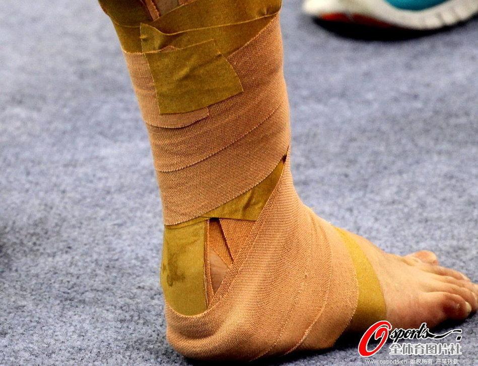 体操世界杯开赛在即 程菲带伤备战[高清]