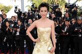 2012年,李冰冰成为GUCCI代言人,亮相2012年威尼斯电影节。作为东道主的GUCCI,为这位代言人量身设计一袭浅黄色公主礼服,轻纱柔曼,这是GUCCI首次为亚洲明星量身打造礼服。试装时,其设计师盛赞李冰冰清新典雅的魅力,堪比奥斯卡影后、摩纳哥王妃格蕾丝·凯利。