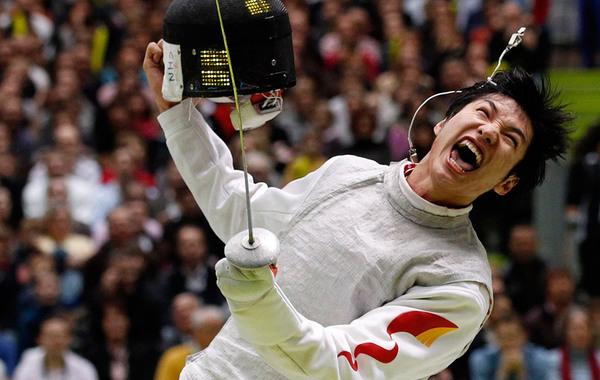 北京时间8月1日凌晨,2012伦敦奥运会击剑赛男子花剑个人赛决赛尘埃落定,中国选手雷声战胜了埃及剑客阿波尔卡西姆,获得中国代表团的第11枚金牌,同时也打破了欧洲人对该项目长达116年的…
