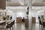 白色地砖VS木纹地板 打造让风流动的家(图)