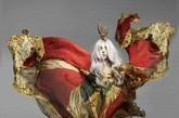 图:Lady Gaga在 Nick Knight的镜头里变得迷幻了起来,照片来自于《Vanity Fair》