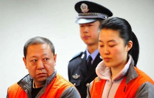 """中国早就有""""自古贪官多好色""""的说法,而今""""十个贪官九个色""""的断定好像也得到了验证。据现行《婚姻法》修改起草专家小组主要负责人巫昌祯教授的统计,被查处的贪官污吏中95%都有""""情妇"""",腐败…"""