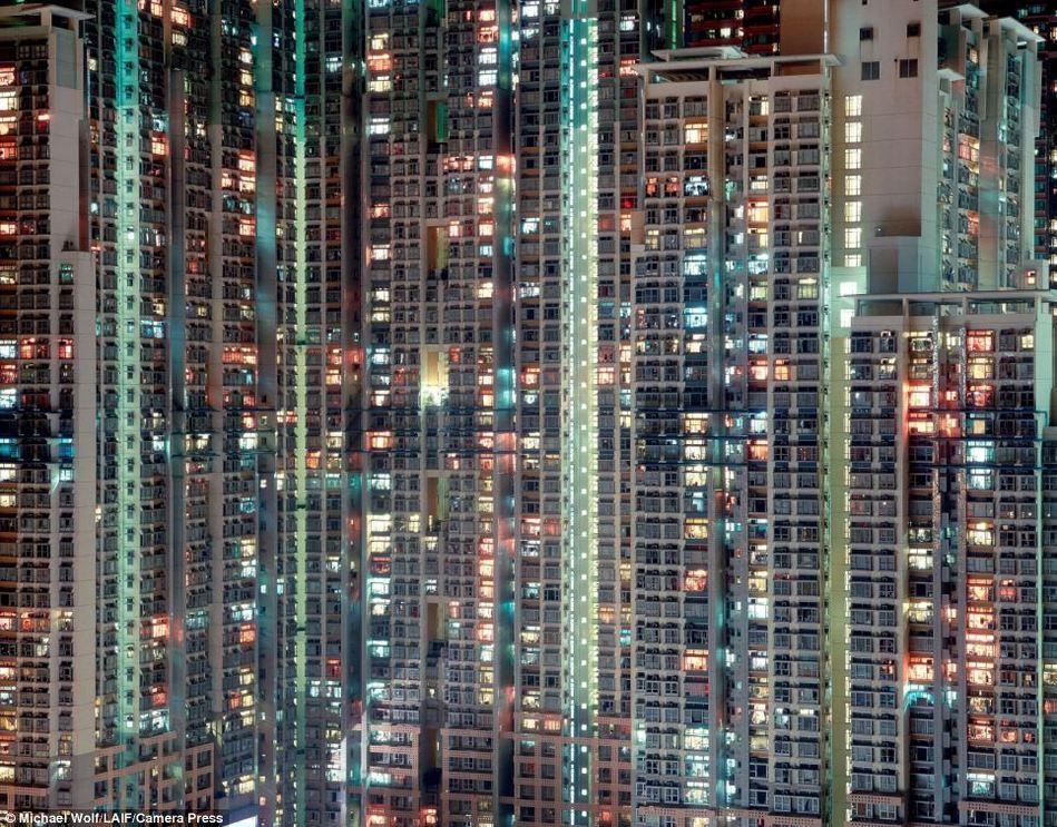 香港的人口和面积_2017香港春灯展有感 关于香港LED与香港的未来