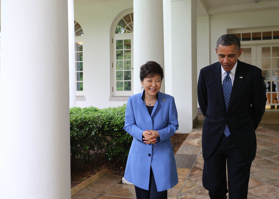 看不懂啊   奥巴马与朴槿惠散步了10多分钟 -  红杏 - 红杏