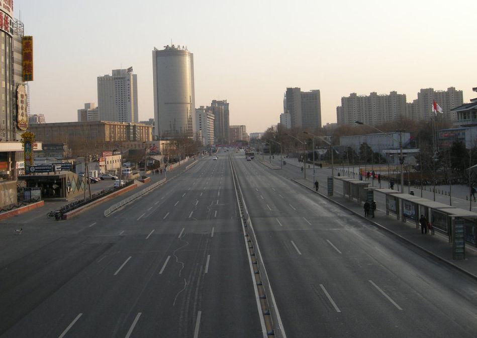 农历大年三十,北京,大量外来人口返乡过年,北京部分街道成为空