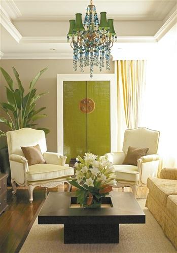 春入家门 用花朵、绿植给居室带来一些轻盈的早春氛围