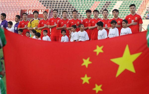 北京时间3月5日,阿联酋沙迦,2015年亚洲杯预选赛,中国1-3伊拉克。赛前,中国对于另一小组的黎巴嫩队有6个净胜球优势。只要保持这个优势,国足至少能以成绩最好的小组第三出现。不过开场不久,国足就被伊拉克连入两球,甚至一度落后三球。最终,黎巴嫩5-2战胜泰国,而国足依靠点球扳回一城。中国男足在有6个净胜球优势的情况下浪费了5个,惊险出现。