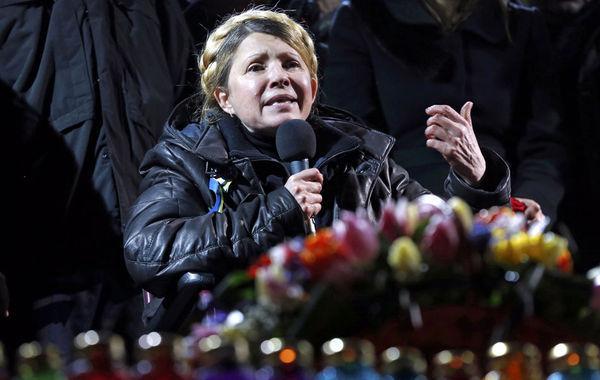 """乌克兰前总理、反对派领导人季莫申科22日被当局从监狱释放。季莫申科在2011年被以""""滥用职权""""为由判刑7年。季莫申科一直坚称""""滥用职权""""的罪名是谎言。"""