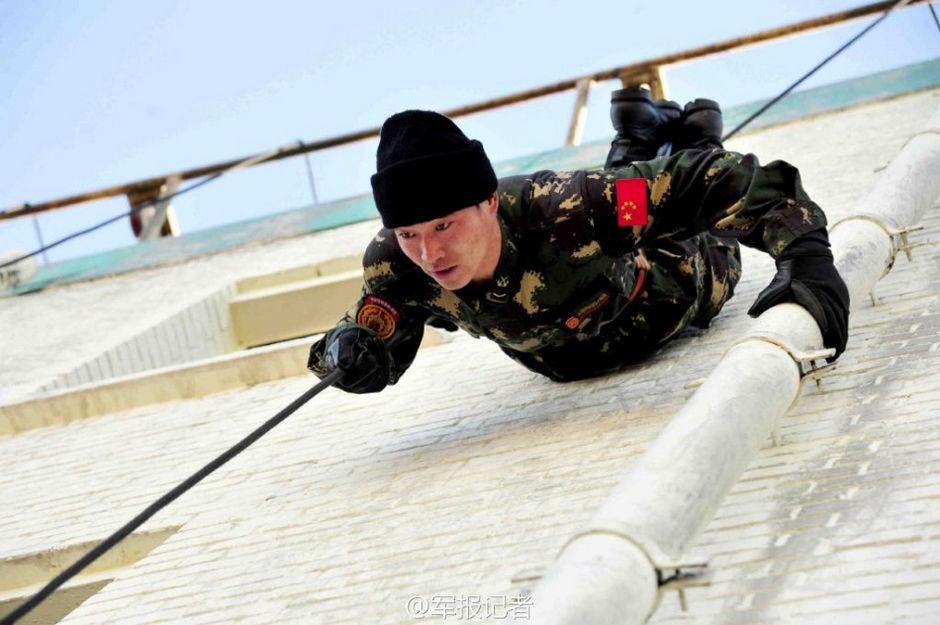 中国特种部队配模块化单兵装具 时髦不输美军图片
