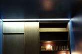 Lualdi作为意大利重要的室内门品牌近些年一直往整装发展。该品牌门在设计上,放弃形式上做过多的变化,反而在门与建筑和墙体之间的关系方面,探讨出不同的变化,成为行业里的一只独秀。2014年Lualdi延续了2013年展会的展示形式,只不过在内容上更加突出的表现门与墙板的配套。产品线表达清晰,现代而多元化,可圈可点。