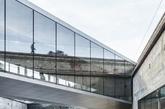 赫耳辛格的丹麦海事博物馆,由BIG事务所设计,2013年10月对公众开放。这座建筑入围文化设施单元。(实习编辑:温存)