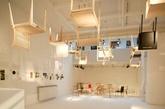 Maruni在日本有悠久的历史和木工技术以及生产资源的积累,所以在03年的时候,就构想出邀请日本知名的设计师和建筑师参与设计木椅子的项目计划,目的很简单,就是通过椅子的设计传达出日本家居文化以及日本美学的理念精髓,这些设计师们将自己的设计与文化积累通过这样一把小小的椅子作为载体而呈现。实习编辑:石君兰)