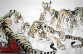 构图上,整只老虎比虎头要好,3只虎或者5只虎的构图较好,3只虎以1雄2雌为好,5只虎以1雄4雌的构图最好,以雌虎衬托雄虎,这样虎威才能充分的发挥。(实习编辑:辛莉惠)