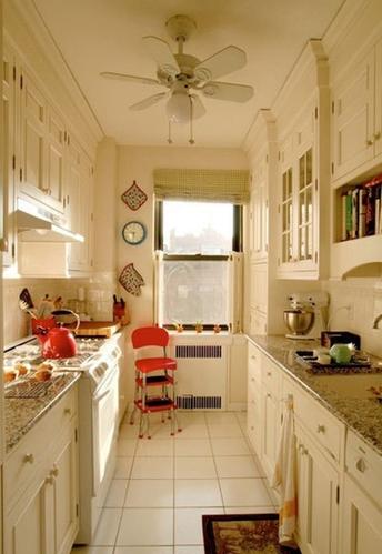 纯色厨房最耐看 跳色点缀不单调