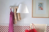 想要装饰出漂亮的墙面有很多方法可以选择,除了壁纸、乙烯基贴纸,巧用模块组合装饰墙面也是自己动手的一个非常好的办法。如果你对墙面装饰有兴趣,可以从下面20个巧用模块组合装饰墙面的创意中获得一些灵感。(实习编辑:江冬妮)