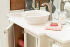 巧妙利用空间死角 扩容卫浴收纳方案推荐