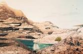 山壁酒店:约旦瓦迪拉姆度假村,一家拥有世界上最壮美景观的奢华酒店,酒店的房间是在山壁之中的。在美国建筑设计公司奥本海姆的设计下,瓦迪拉姆度假村将吸引游客和攀岩爱好者前来观看。洞穴房间内有巨大的窗户,为游客提供新鲜的空气和惊人的景观。酒店内置47个房间,预计将于2014年开放。该项目已经为公司赢得了未来商业和实验项目两项世界建筑奖。同时,酒店设计包含了可持续性理念,交叉通风和遮蔽的设计利用了岩石的自然制冷效果,热质量加热将确保沙漠中的游客拥有舒适的环境。(实习编辑:周芝)