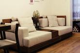 沙发和电视柜算是花费较大的一笔,都是挑选的槟榔实木家具,我和老婆一下子都看上了这种风格,东南亚风情,其实这家的其他家具款式都很不错,只是价格不菲,不可能都选择,只能挑选这两件了。