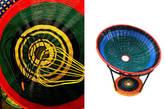 第三组是MARNI。Marni近几年在米兰家具展的项目无疑是振奋人心的。一系列以前科犯或是妇女手工编织的色彩座椅或装置在前两年夺人眼球,以此创作手法的活动也一直在世界各地持续。这次米兰家具展,他们将带来拓展性的编织板凳等产品。(实习编辑:周芝)