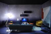 """一.Diesel X Seletti:来自星星的盘子 Diesel 的家居线 Diesel Living 在 350 平方米的生活设施区呈现了一个完整的""""大家庭"""":Foscarini 合作照明产品、Moroso 合作家具、Berti 合作木质地板以及同意大利设计品牌 Seletti 合作的""""宇宙""""系列餐具,将整个太阳系都铺陈在了餐桌上。 每一只盘子表面的图案,都是根据太阳系星球的卫星画面绘制而成,栩栩如生。尺寸也有讲究,比如橘红色的""""太阳""""餐盘最大,灰白的月球和水蓝的海王星等其他星球餐盘就小一些。Diesel x Seletti """"宇宙""""系列餐具获得了今年的年度设计大奖,据悉很快就会在 Diesel 旗舰店、全球精品百货和 Seletti 专卖店开售。(实习编辑:谭婉仪)"""