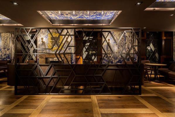 """融合抽象几何图形的 """"鸭子与稻米""""餐厅"""
