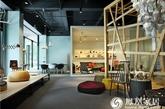 作为深圳首家以国际现代设计为焦点的设计艺廊,泡泡艺廊展示了全球众多极具创意的设计品牌,包括室内外家具、装饰品、工艺灯具以及家居生活用品等等。又因其创办人的空间设计师身份,泡泡艺廊有其独到之处:它并不是一个纯粹的商业空间,而是更加注重设计美学在商业空间中的独特表达。